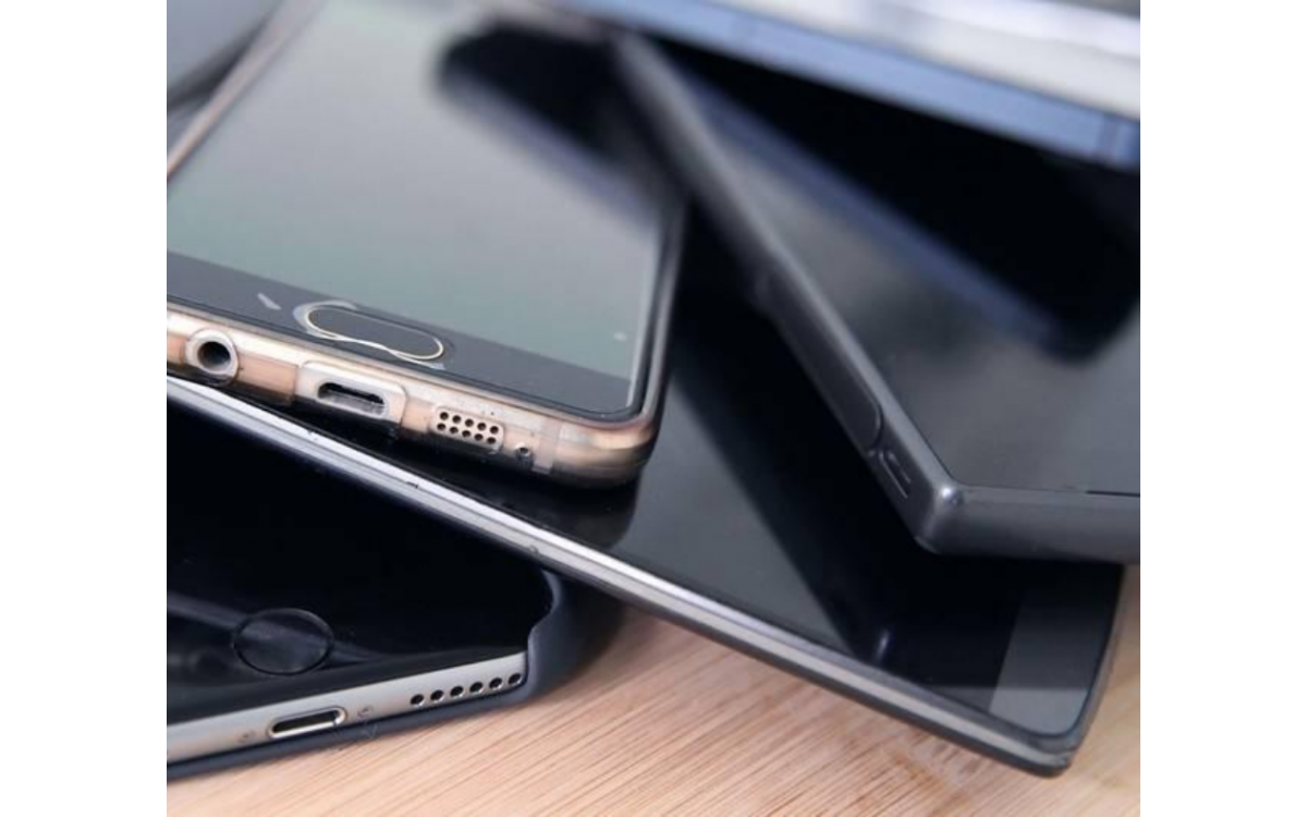 Valuable uses for your old smartphone
